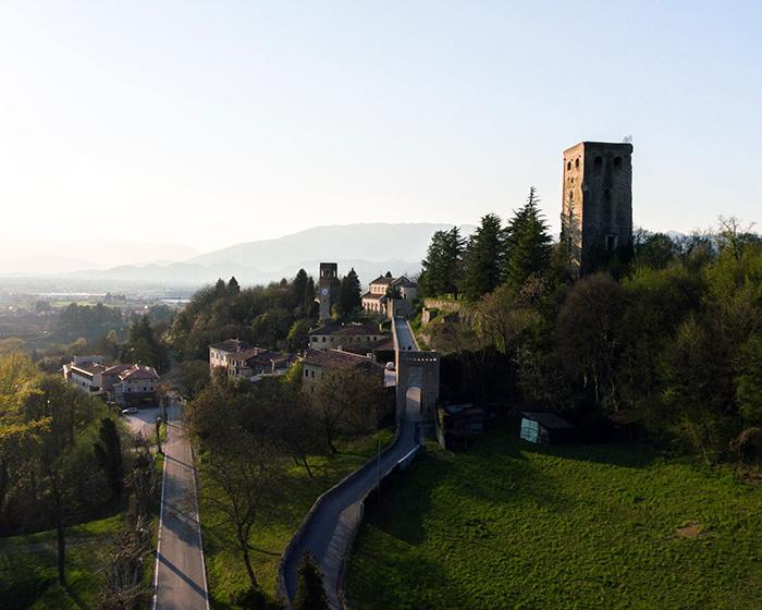 Visita ai castelli dei conti Collalto - Il prete del Popolo Veneto